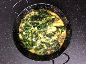 kale eggs frying pan