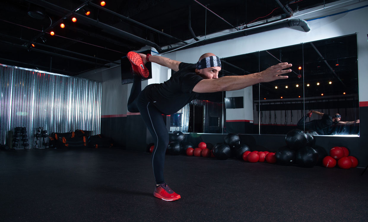 cardio and upper body workout heel to butt with reach