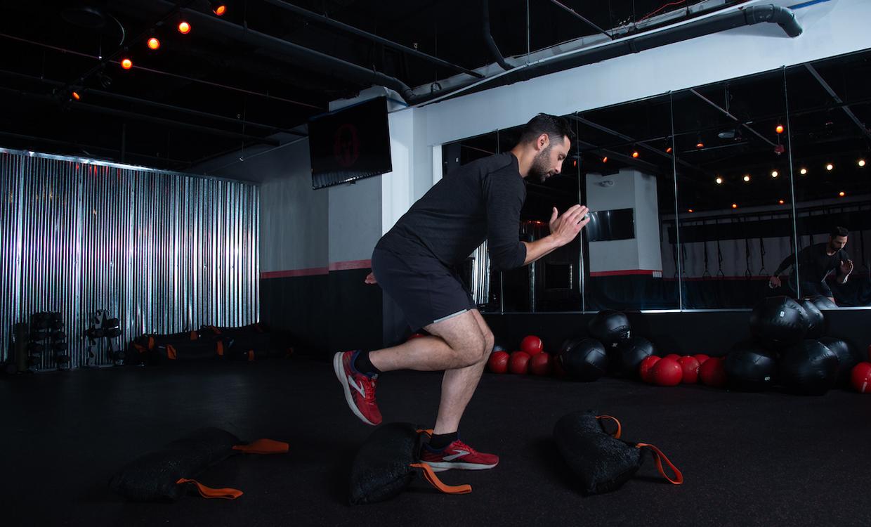 Hurdle hop (single-leg stick) upper body and core workout