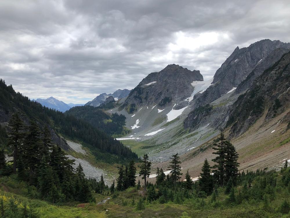 best scenic trail runs in the U.S. cascade pass washington