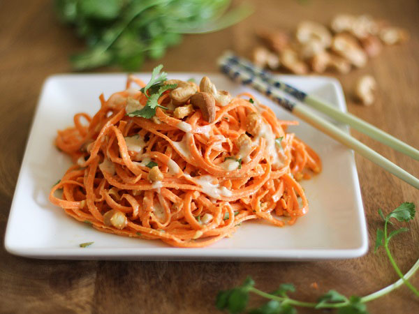 Spiralized Raw Carrot Pasta with Ginger-Lime Peanut Sauce