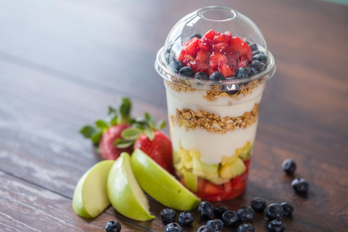 healthy snacks for traveling yogurt parfait