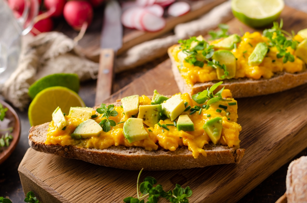 healthy bedtime snacks scrambled eggs avocado toast