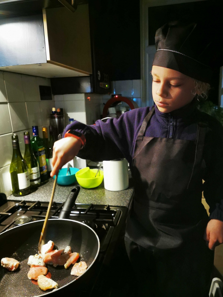 kids eating healthy at home